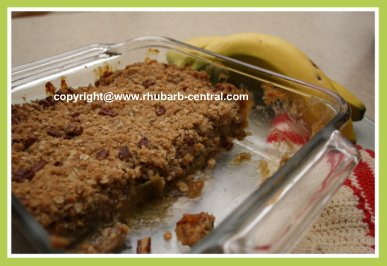 Rhubarb Crumble with Banana Recipe