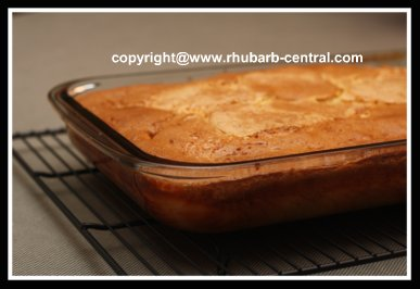 An Easy and Quick Rhubarb Cake Recipe