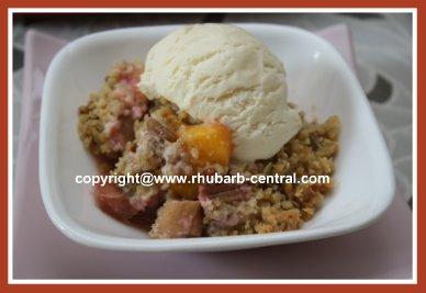 Rhubarb Peach Fruit Crumble