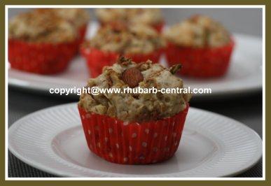 Rhubarb Granola Muffins