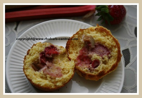 Amazing Rhubarb Strawberry Muffin Recipe