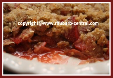 Dessert Idea with Strawberries and Rhubarb - Crumble Dessert