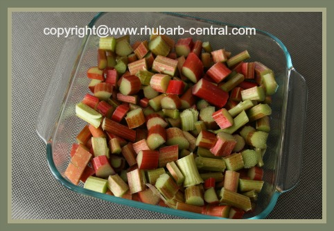 Preparing Rhubarb for Oven Baking