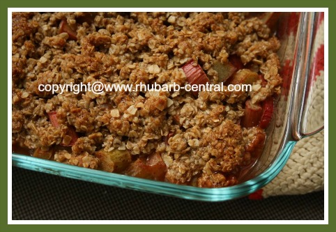 Rhubarb Crisp Dessert Recipe Made with Honey and Oats