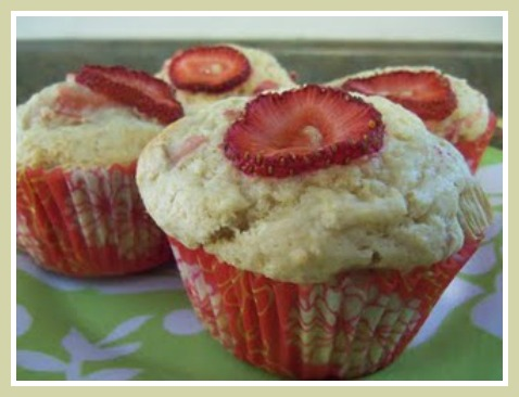 Strawberry Rhubarb Muffins
