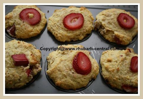 Rhubarb Strawberry Muffins Homemade
