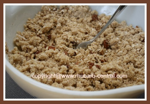 Oatmeal Topping for Rhubarb Crumble