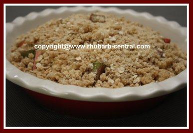 Make Rhubarb Crumble with Oatmeal
