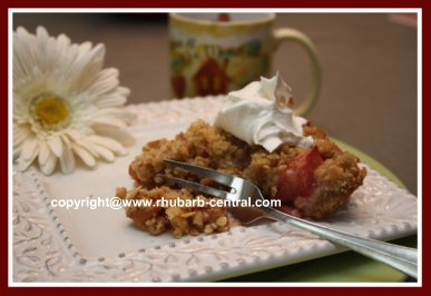 Rhubarb Crumble with Rolled Oats