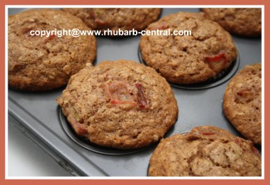 Make Healthy Nutritious Rhubarb Muffins