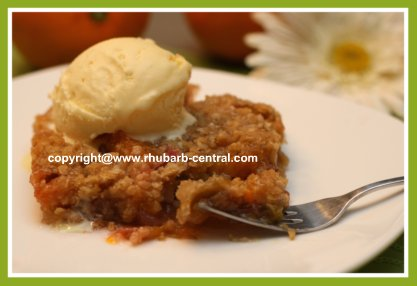 Rhubarb Crips with Mandarin Oranges and Oatmeal Topping for Dessert or Snack