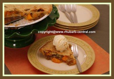 Easy Rhubarb Peach Pie