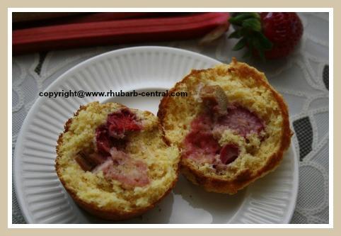Amazing Rhubarb Strawberry Muffin Recipe