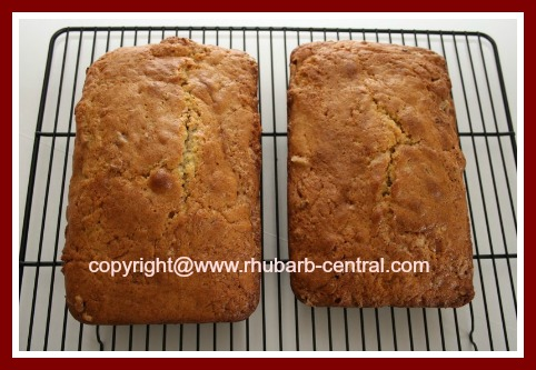 Recipe for Homemade Rhubarb Bread