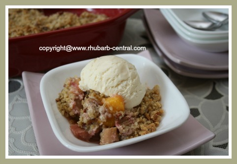 Rhubarb Fruit Crumble Recipe with Peaches
